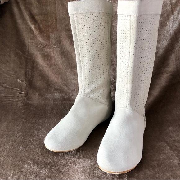 a5bf88a1e Rampage Shoes | Keki Off White Boots Flat Slouchy 85 | Poshmark
